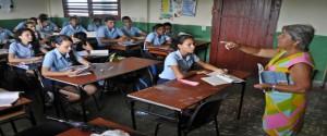 Estudiantes cubanos en el aula