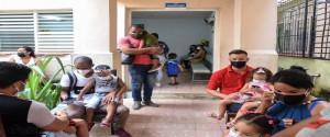 Proceso de inmunización de los niños cubanos que se desarrolla con la vacuna Soberana 02, la cual ya se aplica a aquellos comprendidos entre los dos y los 18 años. Foto: Ariel Cecilio Lemus