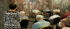 Encuentro del presidente cubano con miembros de la Academia de Ciencias de Cuba. Fotos: Presidencia.