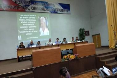 El presidente de los Consejos de Estado y de Ministros, Miguel Díaz-Canel, participando en la reunión anual del Ministerio de Educación