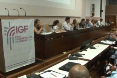 Participantes en el Foro Nacional de Gobernanza en Internet