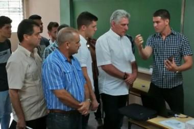 Exponen a Miguel Díaz-Canel proyecto académico de ciudad inteligente