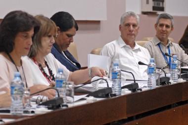 Miguel Díaz-Canel Bermúdez intervino este martes en el análisis del Parlamento cubano sobre asuntos vinculados al gobierno y comercio electrónicos en el país