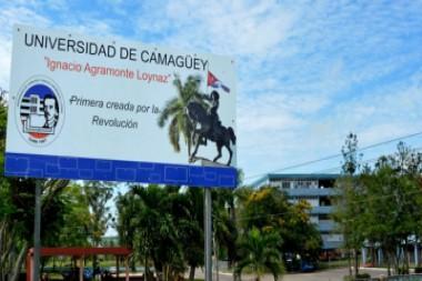 Cartel de Universidad de Camagüey