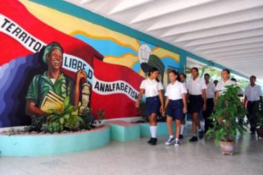 Alumnos de una escuela pedagógica en cuba