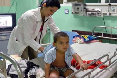Erixander Estévez, de 4 años de edad y operado de 2 fistulas, es atendido en el Cardiocentro Pediátrico Docente William Soler