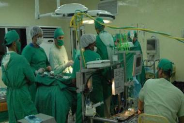 Bloqueo de Estados Unidos limita la práctica de cirugías complejas en Cuba