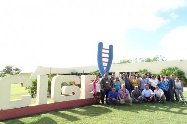 Trabajadores del Centro de Ingeniería Genética y Biotecnología (CIGB) de la provincia de Camagüey
