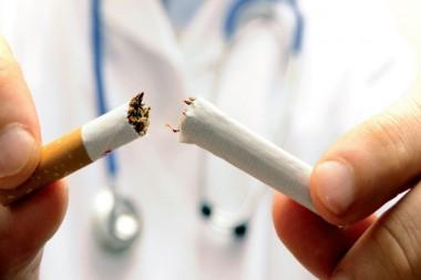 Fumar se relaciona con la evolución negativa y resultados adversos en esta pandémica enfermedad (Foto: accesos.mx)