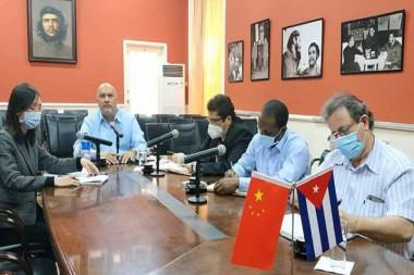 La Habana y Beijing acuerdan crear parque biotecnológico para producir y comercializar fármacos cubanos