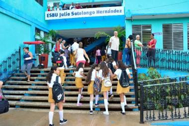 Más de 303 700 estudiantes cursan esta enseñanza en Cuba. (Foto: Vicente Brito/ Escambray)