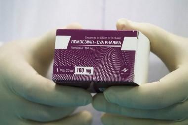 Caja de remdesivir mostrada en un laboratorio de El Cairo. Foto: Amr Abdallah Dalsh / Reuters