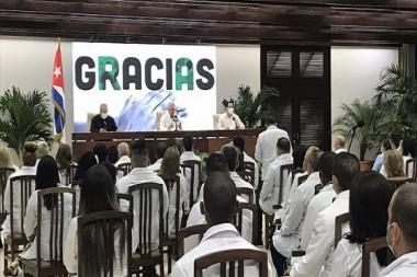 Díaz-Canel y Marrero reciben a colaboradores del contingente Henry Reeve que enfrentaron la COVID-19 en México y China