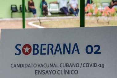 Cartel alegórico al candidato vacunal cubano Soberana 02