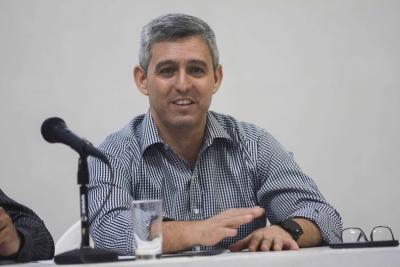 El ministro Jorge Luis Perdomo durante la reunión