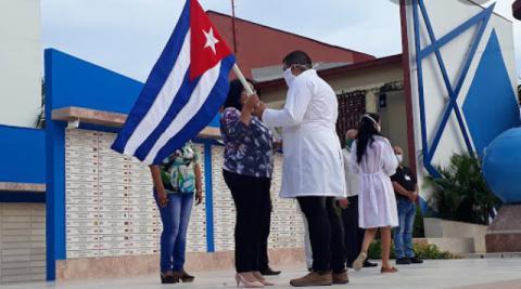 Médicos cubanos lucharán contra la Covid-19 en países de África