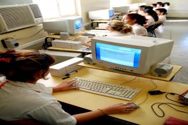 La enseñanza técnica y profesional cuenta con una matrícula de más de 160 000 estudiantes en el país. Foto: Arnaldo Santos